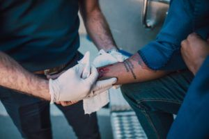 Czego nie wolno robić po operacji cieśni nadgarstka?